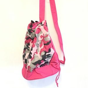 Other - 5/$20 Girls Pink Camo One Shoulder Knapsack Bag